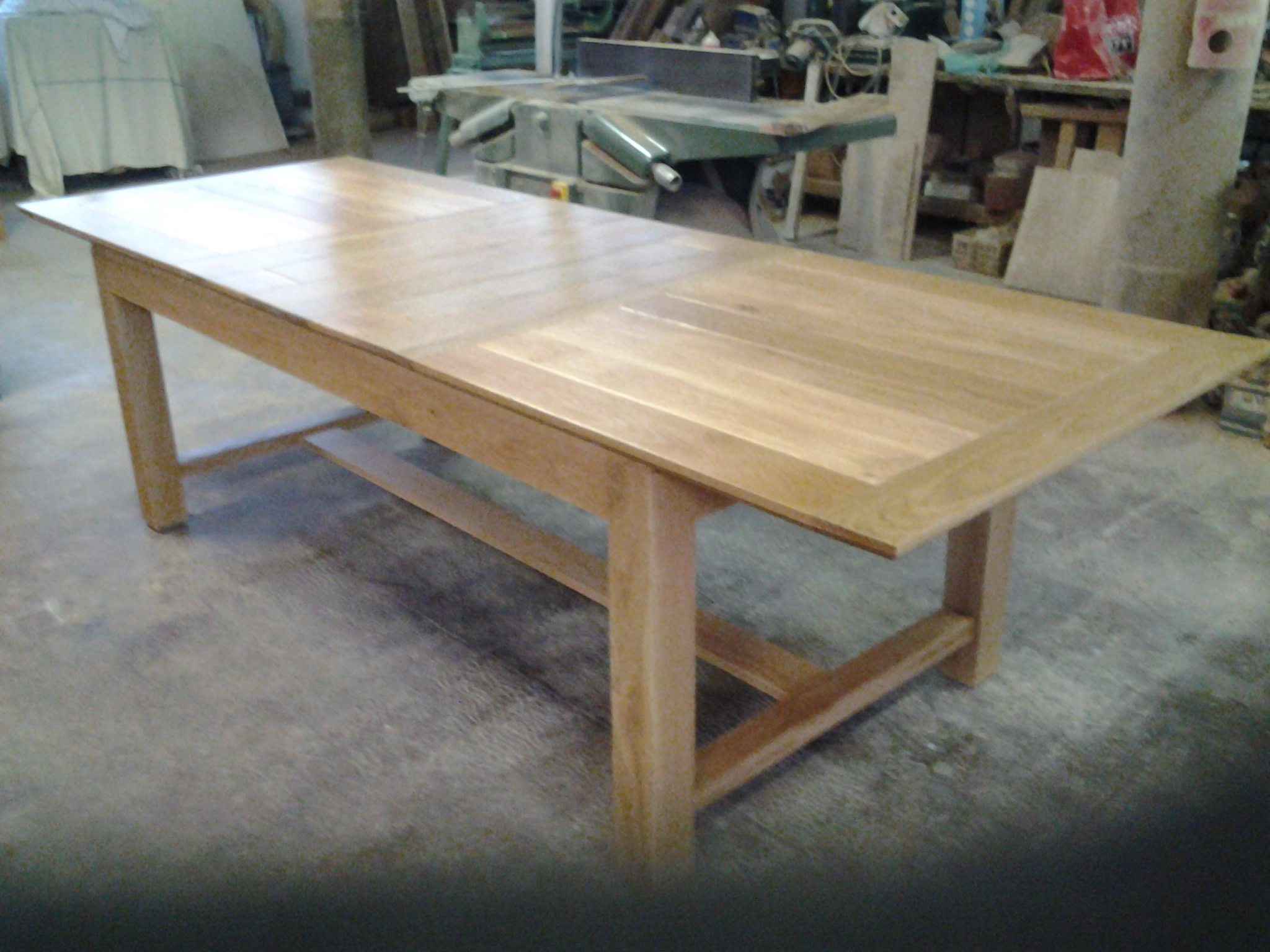 Fabriquer table manger table jardin palette on decoration for Fabrication d une table de salle a manger
